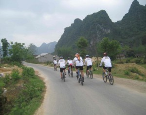 Cycle Hanoi to Hue